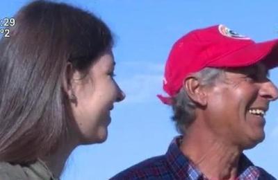 Una joven le dio el mejor regalo a su padre