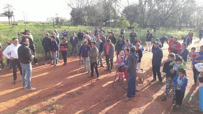 Comitiva fiscal y policial  verifica invasión en Guahory