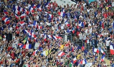 París revive el mito del 98 y transforma la nostalgia en euforia colectiva