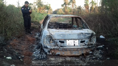 ¡De película! Robaron a un taxista y lo metieron en la cajuela, escapó antes de que incendiaran el vehículo