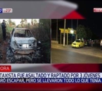 Taxista escapa de jóvenes que lo raptaron e incendiaron el vehículo