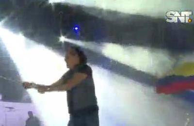 Carlos Vives hizo vibrar al público en Mariano Roque Alonso