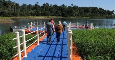 Habilitan embarcadero de módulos flotantes en el lago Yguazú
