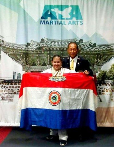 Atleta Down gana torneo mundial de Taekwondo