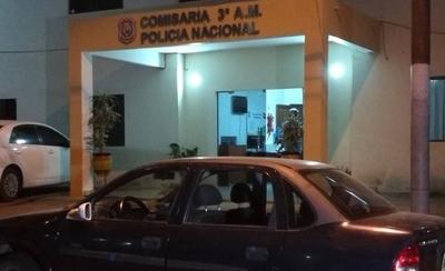 HOY / Turistas llegaron al país y le rompieron ventanilla del auto