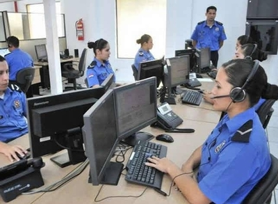 HOY / En tres días el 911 recibió más de 32.000 llamadas falsas