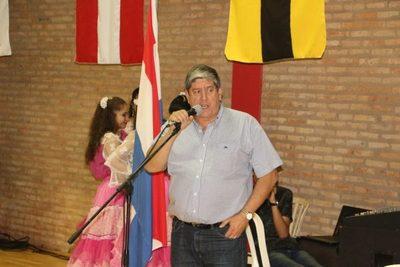 Presidente de la CPB alabó polideportivo municipal