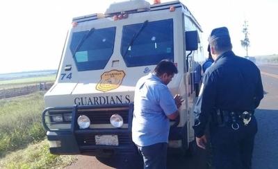 """HOY / Conductor del blindado revela nombres de sus """"atracadores"""""""