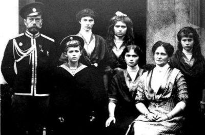 Unas 100.000 personas conmemoran centenario de ejecución del último zar
