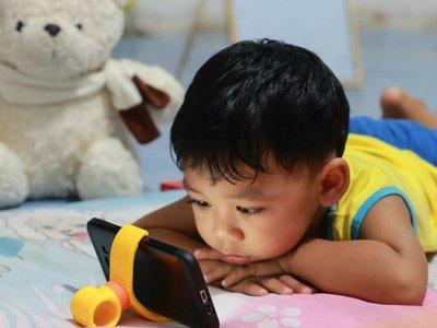 Instan a limitar el uso de juegos electrónicos para niños