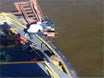 Rescatan a joven que cayó al río Paraguay