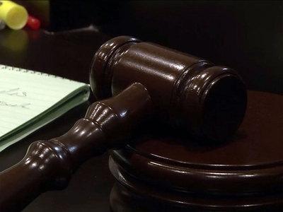 Fue condenado a diez años de cárcel por abusar de su hija