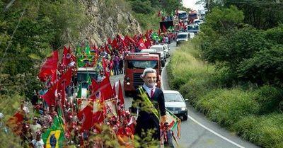 Marchan a favor de Lula da Silva