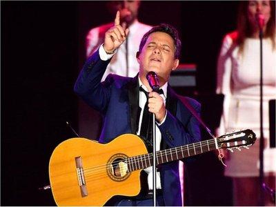 Alejandro Sanz se une a Roberto Carlos en nueva canción