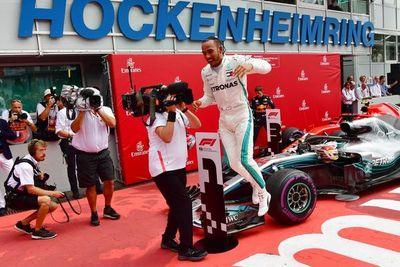 Hamilton gana y recupera el liderato Mundial