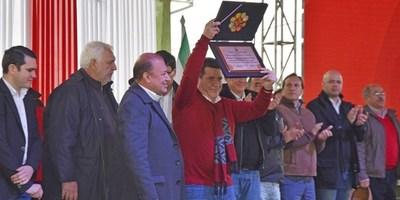 """MAG ENTREGA """"MATRÍCULA PROFESIONAL"""" A 206 ING. AGROPECUARIOS  DE LA UNI"""