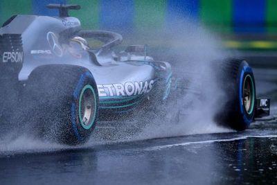 La lluvia salió al rescate de Hamilton para su 'pole' en Hungría