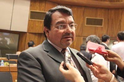 """Ex diputado Villalba trata de """"incoherente"""" a Rocío Vallejo"""