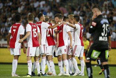 Ajax y Celtic acceden a la tercera ronda