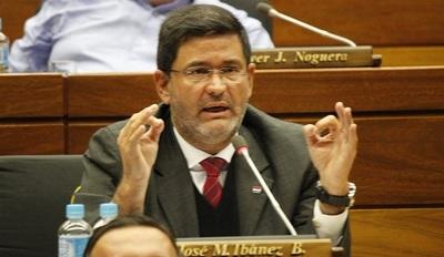 Ibáñez se apropió hasta de colecta para fin de curso, según denuncia