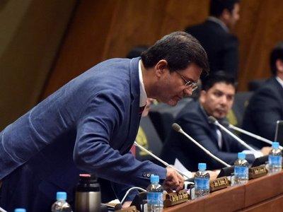 Bacchetta sugiere renuncia de Ibáñez por crispación social