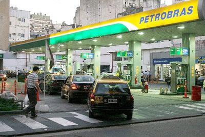 Importación de naftas cae en Brasil