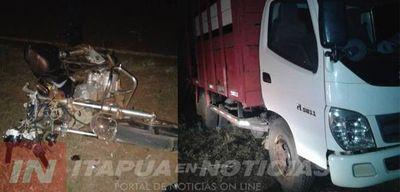 Otro menor lesionado tras chocar con su motocicleta contra un camión