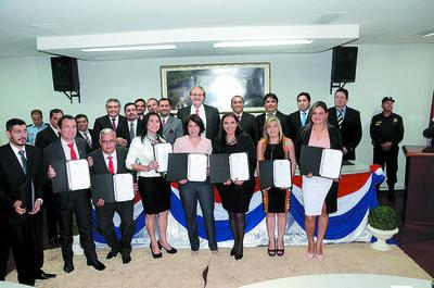 Cabañas tendría apoyo de opositores para presidir la Junta Departamental
