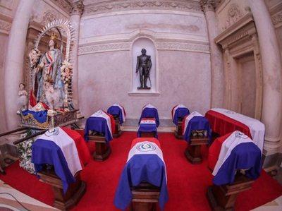 Héroes de la Patria  vuelven al Panteón