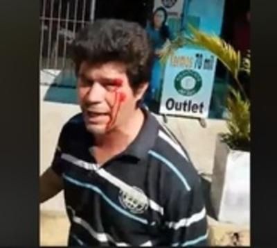 Desconocidos agrenden a manifestante frente a casa de González Daher