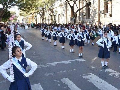 Fiesta previa en Asunción con  desfile, paseos, feria y selfies
