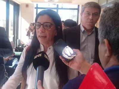 Diputada habla de persecución política en su contra