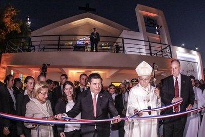Presidente Cartes inauguró parroquia del barrio San Francisco