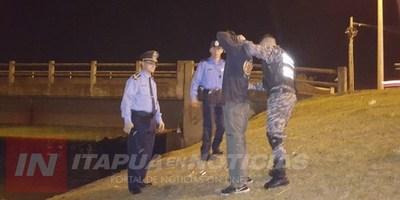 BUSCAN DESOCUPAR AGUANTADEROS BAJO LOS PUENTES DE ENCARNACIÓN