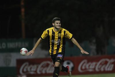 Rodrigo Bogarín no irá al Huracán de Argentina