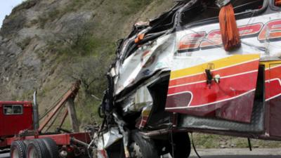 Al menos 23 muertos en nueva tragedia de tránsito en Ecuador
