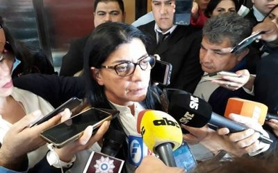 """Marlene Ocampos habla de """"persecución política"""""""