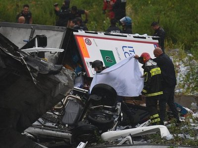 Se elevan a 22 los muertos por derrumbe de un puente en Italia