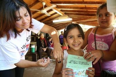 Salud Pública insta a familias a mantener libretas de vacunación al día