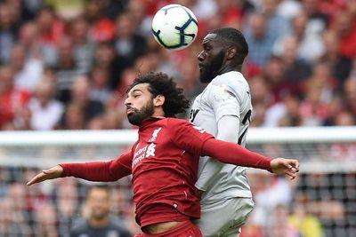 Liverpool denunció a Salah por conducir mientras hablaba por celular