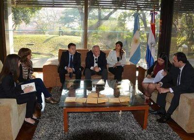 El Gobierno entregó a la Embajada Argentina restos óseos de desaparecidos durante dictadura de Stroessner