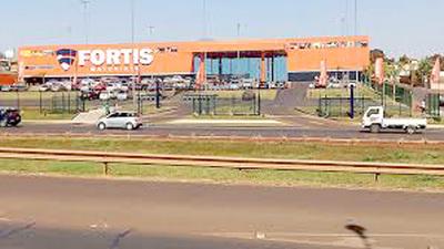 Fortis Mayorista vende productos de contrabando y vencidos, denuncian