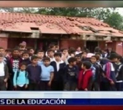 """Mario Abdo promete que la educación será """"una causa nacional"""""""