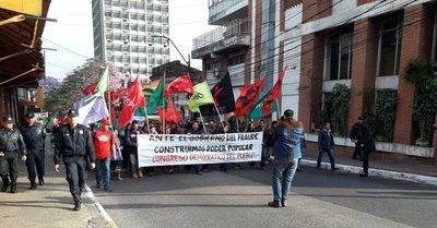 Varias protestas  en jornada oficial