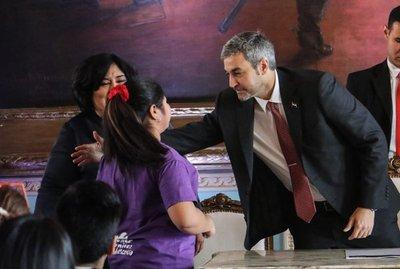 Marito propone reducir la pobreza infantil y la deserción escolar