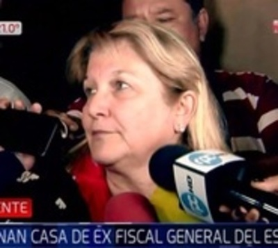 Incautan bolsas con documentos en casa de Díaz Verón