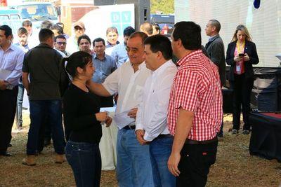 EBY también entregó aporte a productores de Misiones