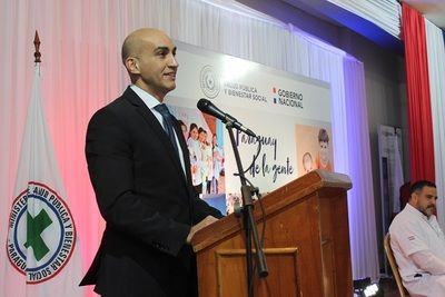 Ministro critica  a antecesores