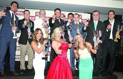 El diario Popular distinguió a sus personajes populares del año 2015.