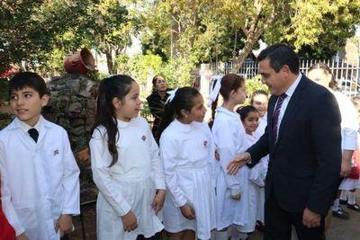 Ministro Petta solicitará reprogramación para cumplir con aumento salarial a docentes